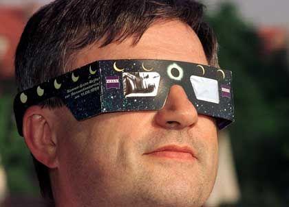 Klaus Hünigs Sonnenfinsternisbrille: Clevere Idee zur rechten Zeit