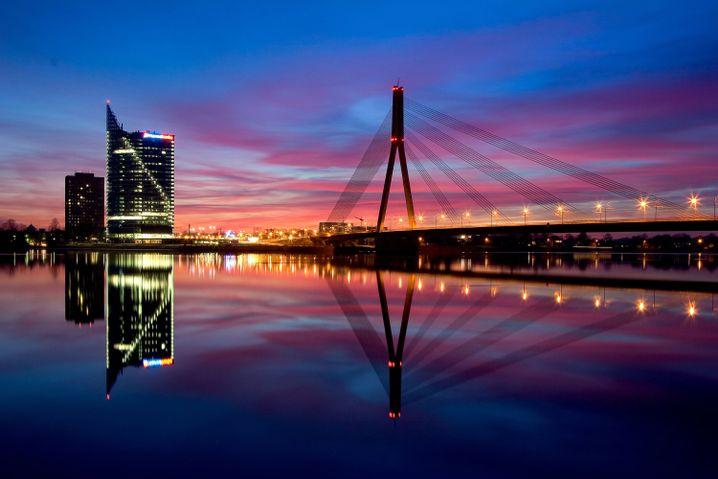 Die Vanšu-Brücke im lettischen Riga
