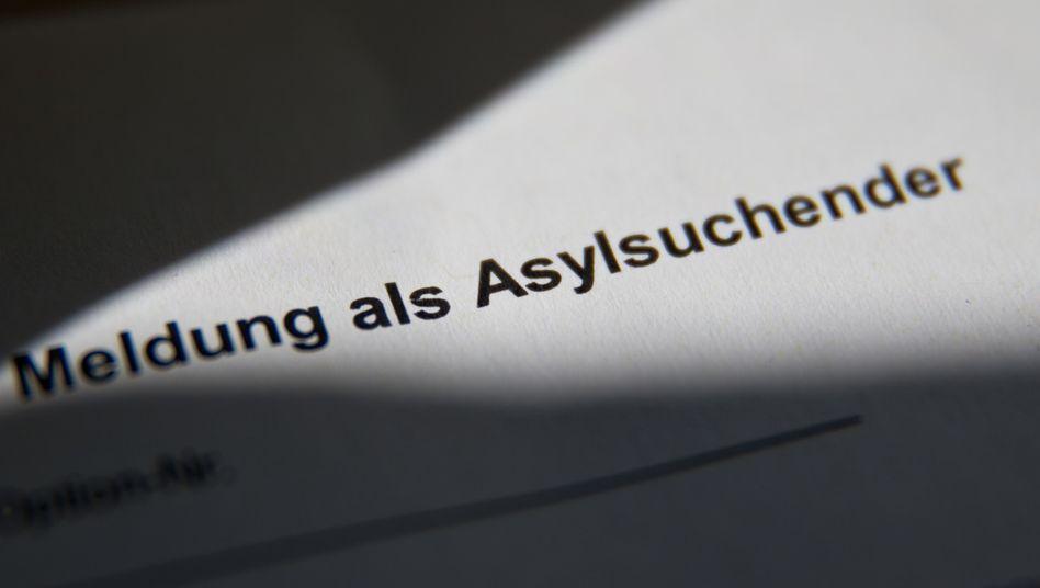 Meldung als Asylsuchender: Die Gründe für fehlende Identitätsdokumente sind vielseitig