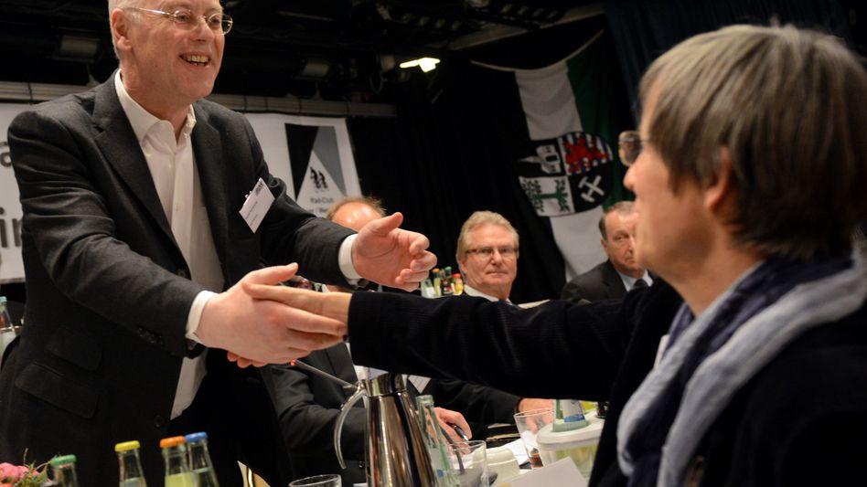 BDR-Präsident Scharping, unterlegene Herausforderin Schenk: Jubel nach dem Wahlsieg