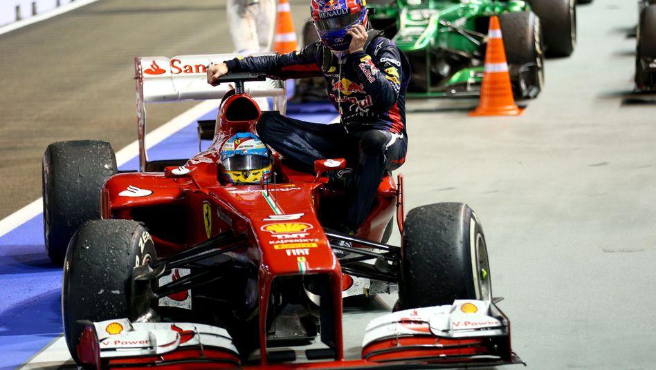 Formel-1-Fahrer Webber (r.): In Südkorea zehn Startplätze zurück