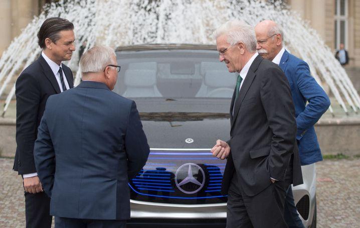 Kretschmann, Autobosse (im Mai 2017): Zu eng mit Daimler und Co.?