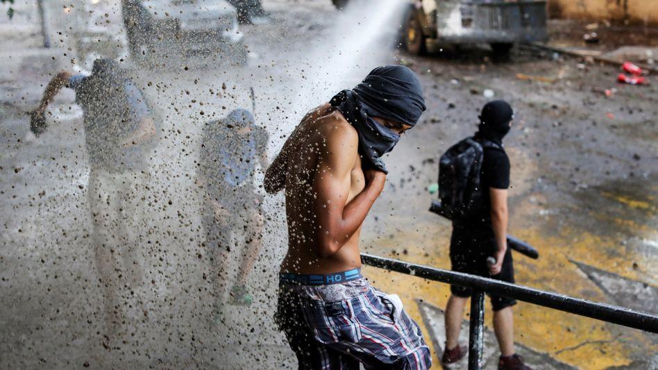 Demonstranten in Chile: Uno-Beobachter sprechen von massiven Übergriffen