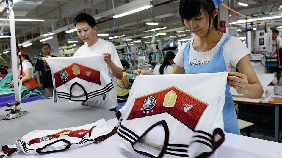Produktion des deutschen WM-Trikots in China: Fotografieren verboten
