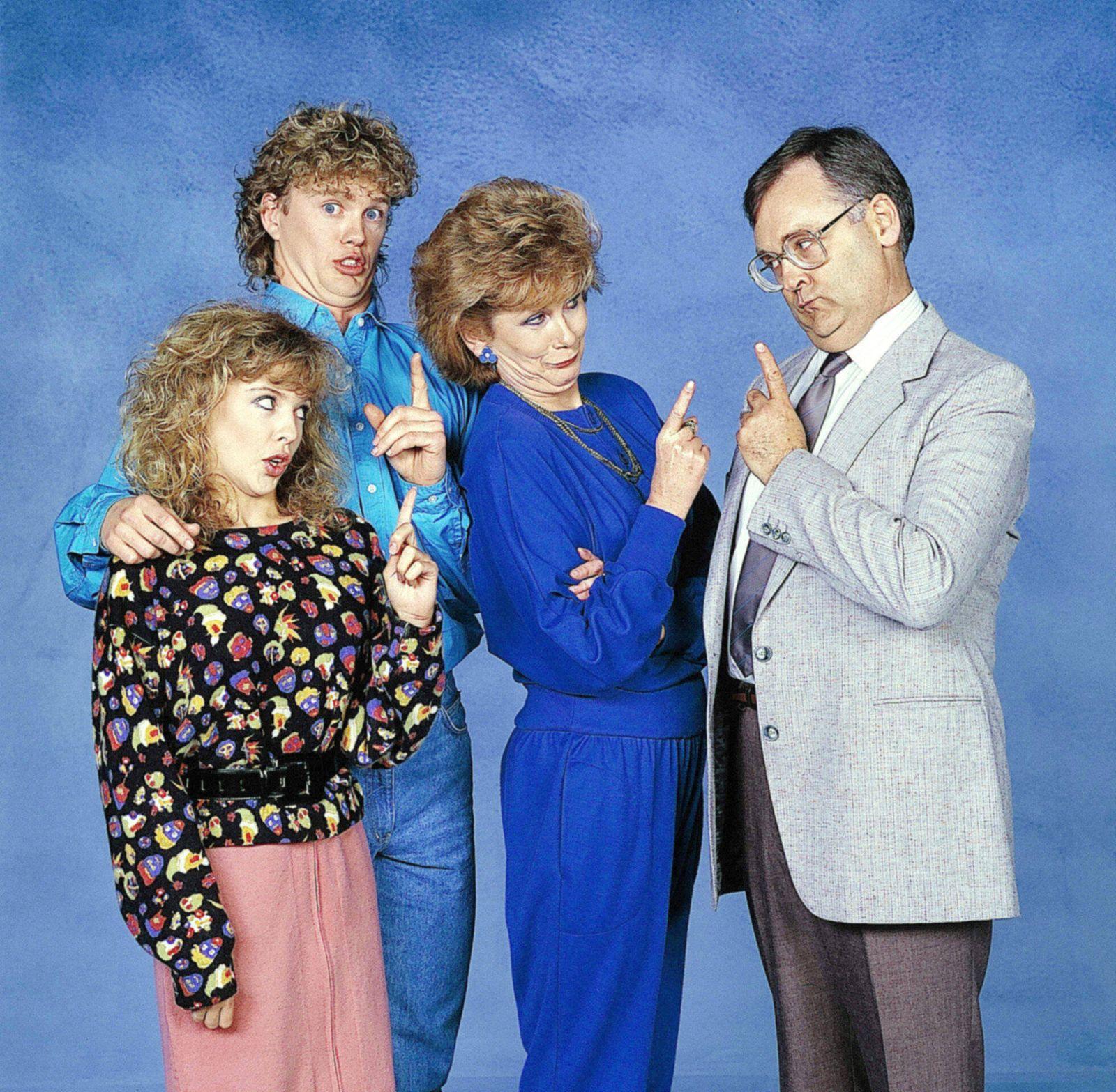 NEIGHBOURS, (from left): Kylie Minogue, Craig McLachlan, Anne Charleston, Ian Smith, (ca. 1980s), 1985-. Network Ten / C