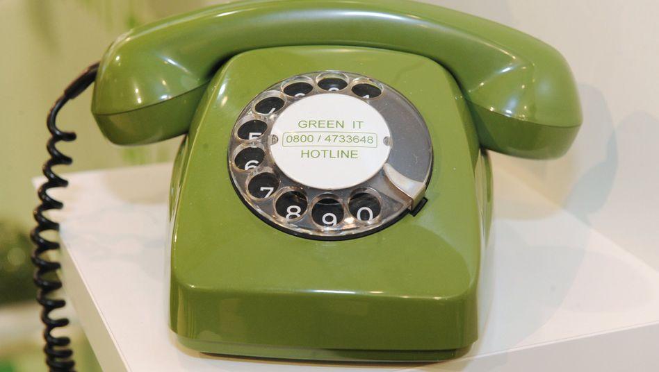 Fernsprecher mit Drehwählscheibe: Fast alle Haushalte haben ein Handy
