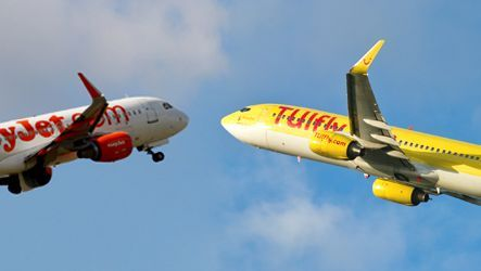 Maschinen von Easyjet und TUIfly (Montage)
