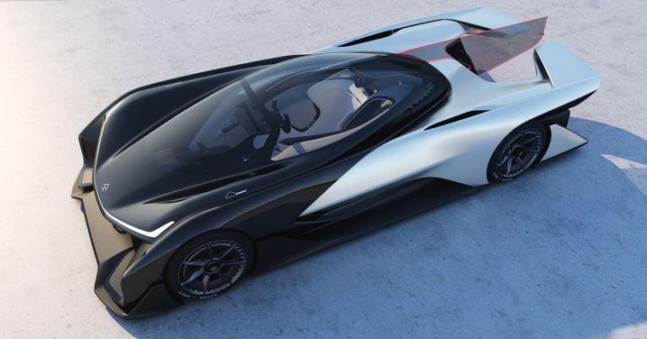 Vor einem Jahr zeigte Faraday diesen futuristischen, aber wenig seriennahen Sportwagen