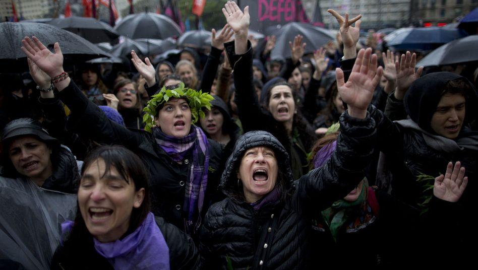 Tausende protestieren in Argentinien gegen Frauenmorde