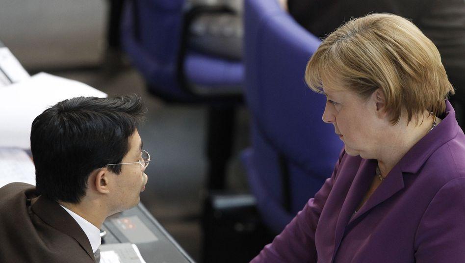 """Kanzlerin Merkel und Gesundheitsminister Rösler: """"Alle haben weniger Netto"""""""