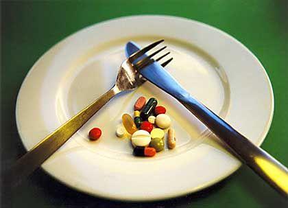 Vitamin-Tabletten: Pillen sind weniger harmlos als angenommen