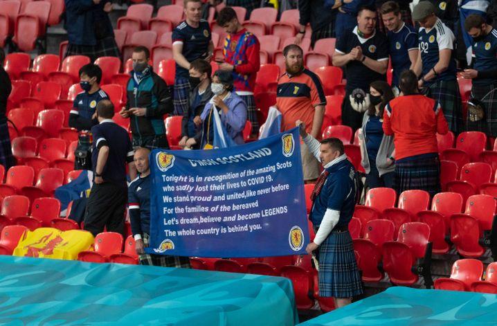 Obwohl sich die hochansteckende Delta-Variante rasant ausbreitet, erlaubt Großbritannien Zehntausende Fans beim EM-Finale