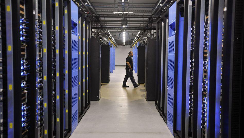 Datenzentrum bei Facebook: Können Nationalstaaten die Netzkontrolle übernehmen?