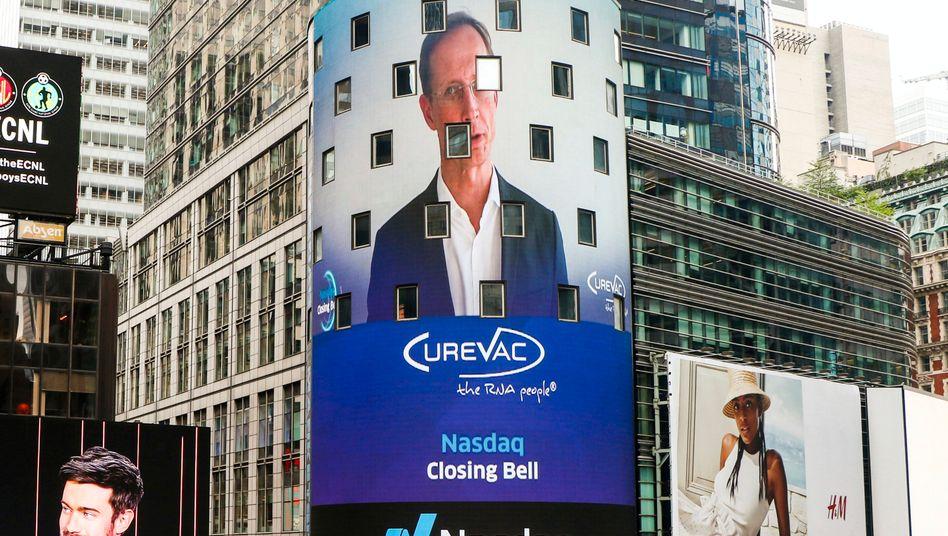 Vorstandschef der Tübinger Biotech-Firma CureVac auf der Videofassade der New Yorker Börse