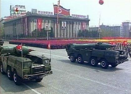 Militärparade in Pjöngjang: Raketentest an der Westküste?