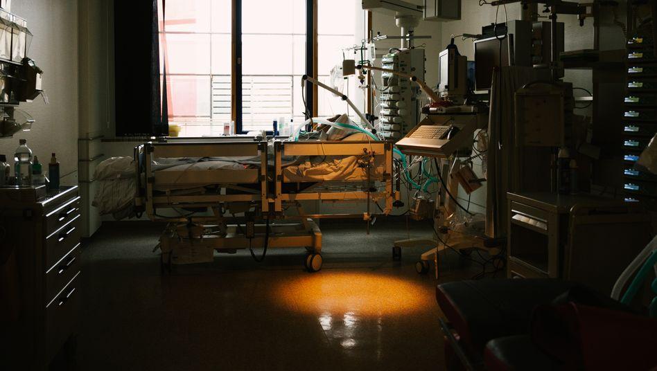 Patient auf einer Corona-Intensivstation in Stuttgart, 4. Januar 2021