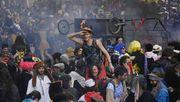 Tausende Menschen feiern ungenehmigt Karneval in Marseille