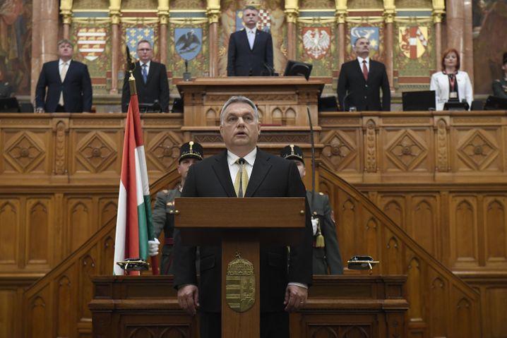 """Will Ungarn in eine """"illiberale Demokratie"""" verwandeln - Ministerpräsident Viktor Orbán"""