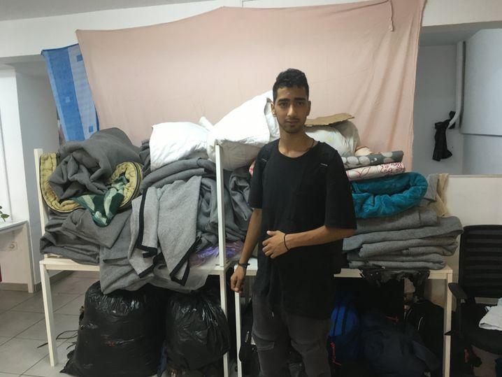 Majid in einer Unterkunft, in der er ein paar Tage übernachten kann