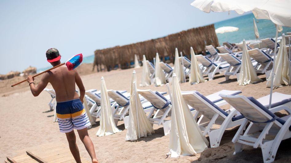 Soll bald wieder von Gästen besucht werden: Ein Strand in Antalya