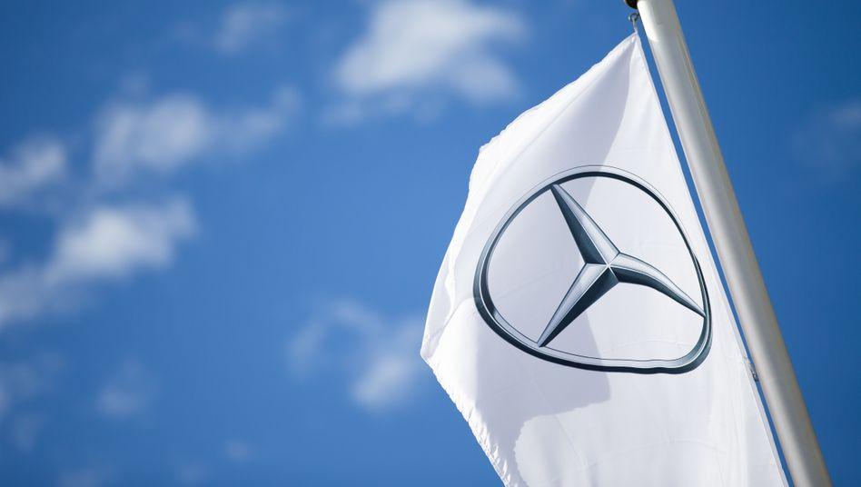 Logo von Mercedes-Benz in Stuttgart