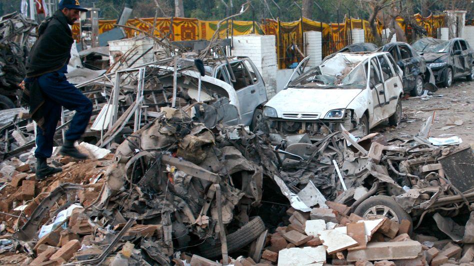 Anschlagsort nahe Peschawar: Grausiges Bild des Terrors