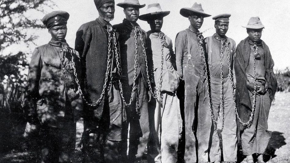 Herero-Gefangene 1904