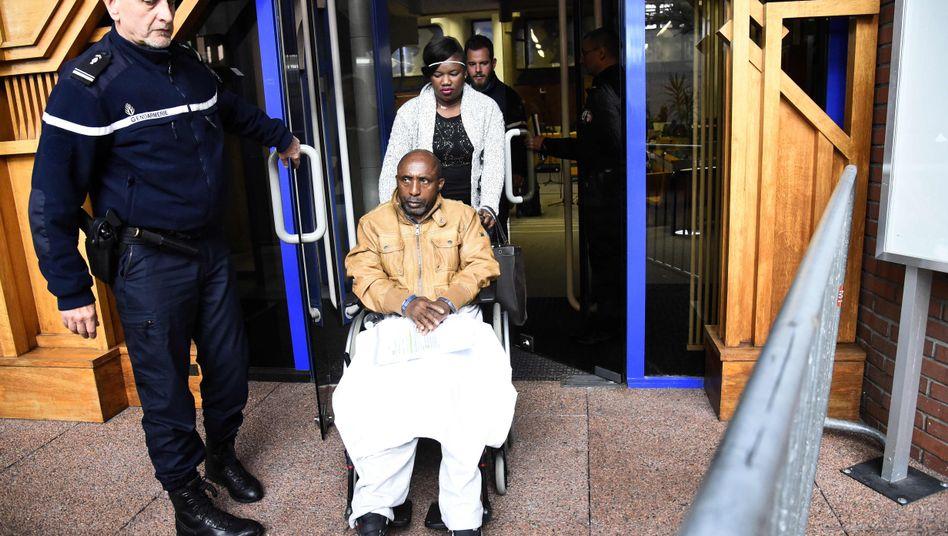 Pascal Simbikangwa bei Prozessbeginn im Oktober