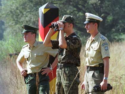 Deutsch-Polnische Grenze (bei Görlitz): Ein Drittel der Jungen will aus Polen abhauen