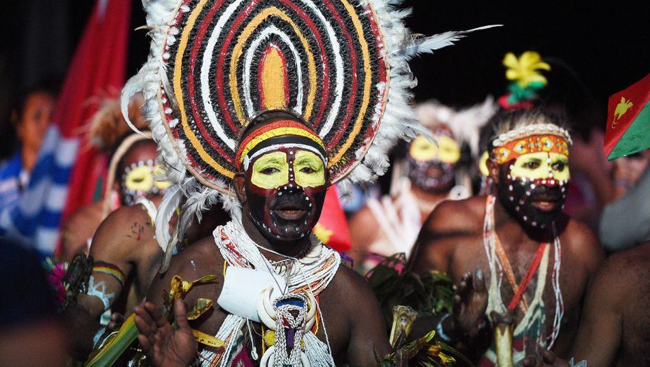 Tänzer in Papua-Neuguinea - auch Erbgut von hier wurde untersucht