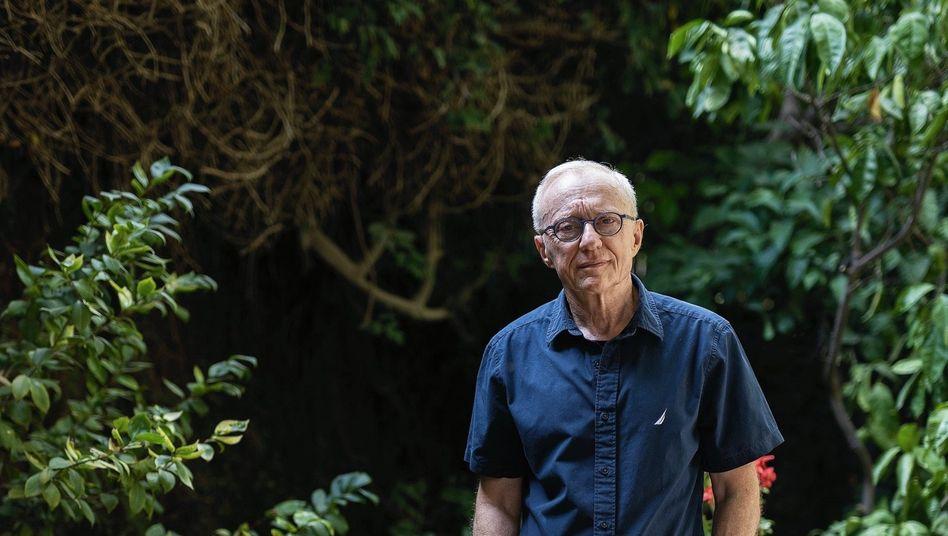 Autor Grossman in der Jerusalemer Vorstadt Mevaseret Zion: Geschichten wie Schutzzäune