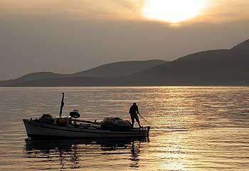 Sonnenuntergang an der Adria-Küste Montenegros
