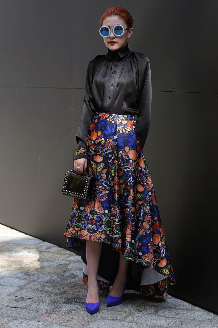 Bluse: Ms Mim, 280 Pfund / Rock: 800 Pfund