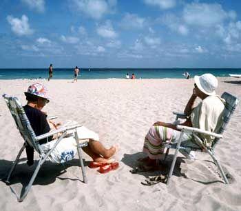 Rentner am Strand von Florida: Noch einige Monate in der Sonne