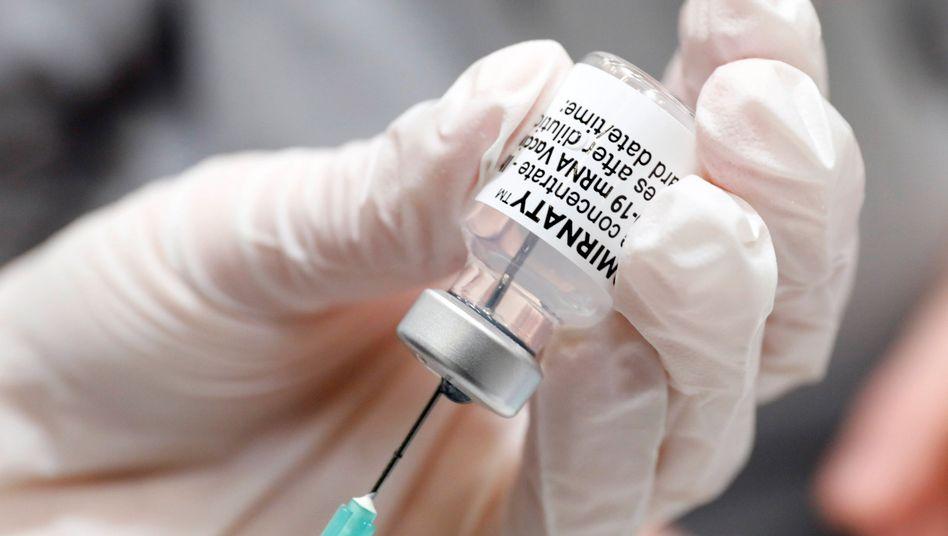 Impfstoff von Biontech: Der Impfnachweis soll helfen, Mobilität innerhalb der EU zu ermöglichen
