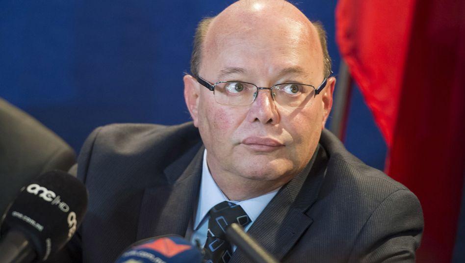 Der bisherige maltesische Polizeichef Lawrence Cutajar bei einer Pressekonferenz
