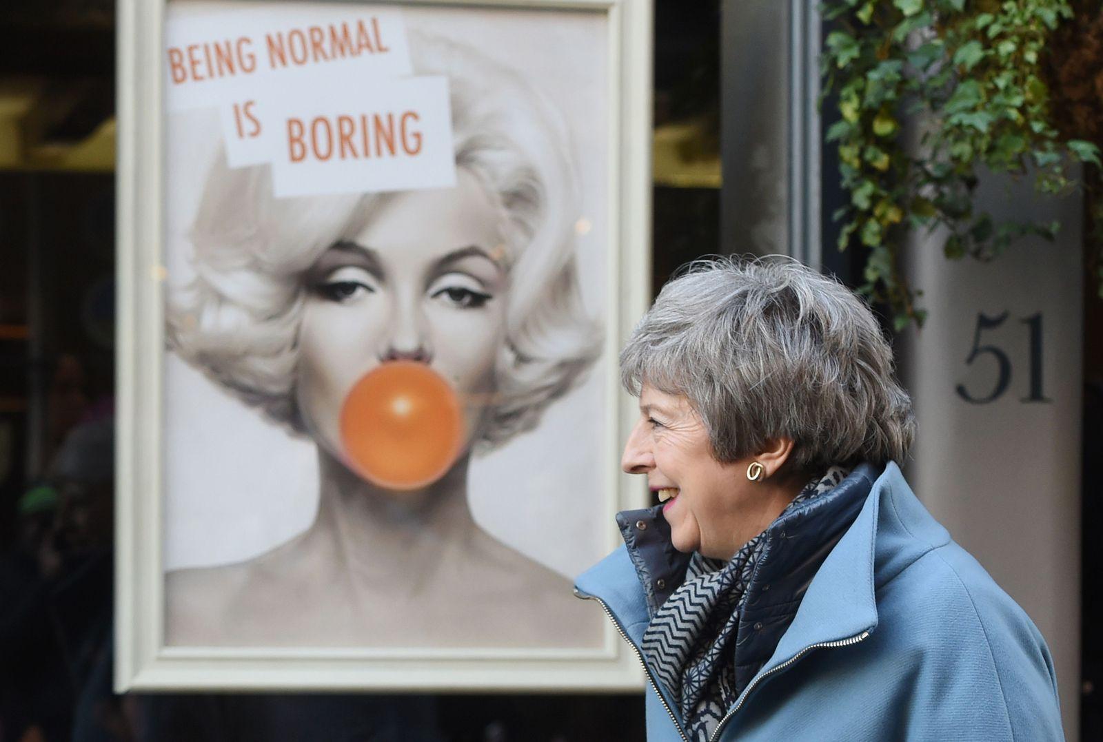 EINMALIGE VERWENDUNG Theresa May