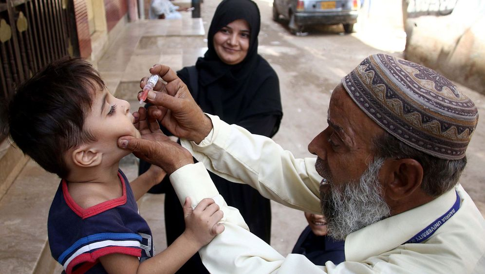 Pakistan: Impfung neben der Kalaschnikow