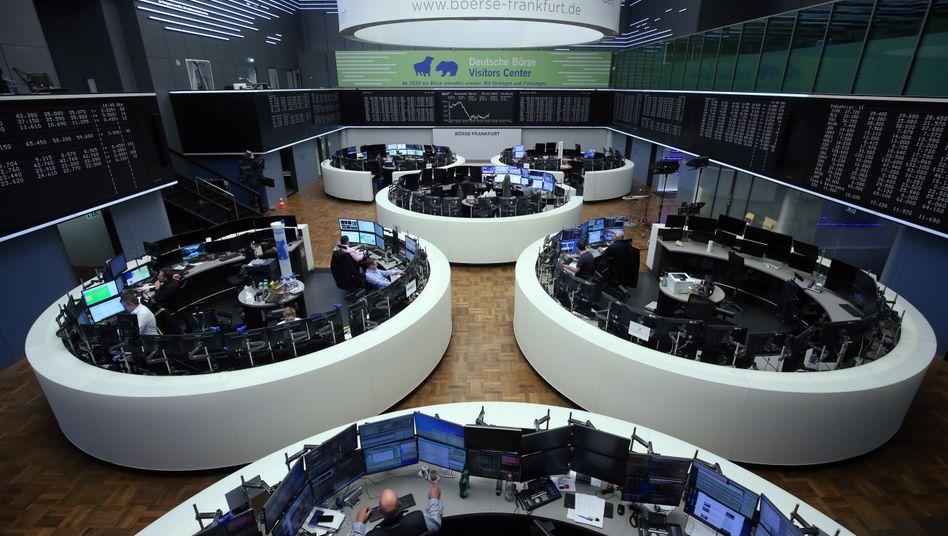 Handelssaal in Frankfurt (Archivbild): Der Dax schloss auf Wochensicht immer noch im Plus