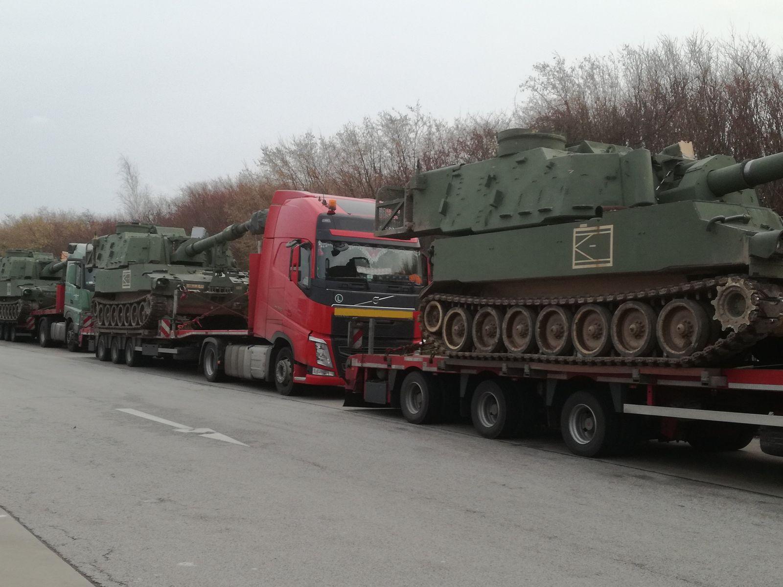 EINMALIGE VERWENDUNG Panzertransport