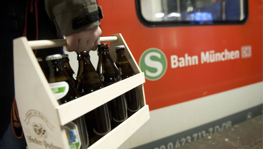 Photo Gallery: Should German Cities Ban Alcohol on Public Transit?