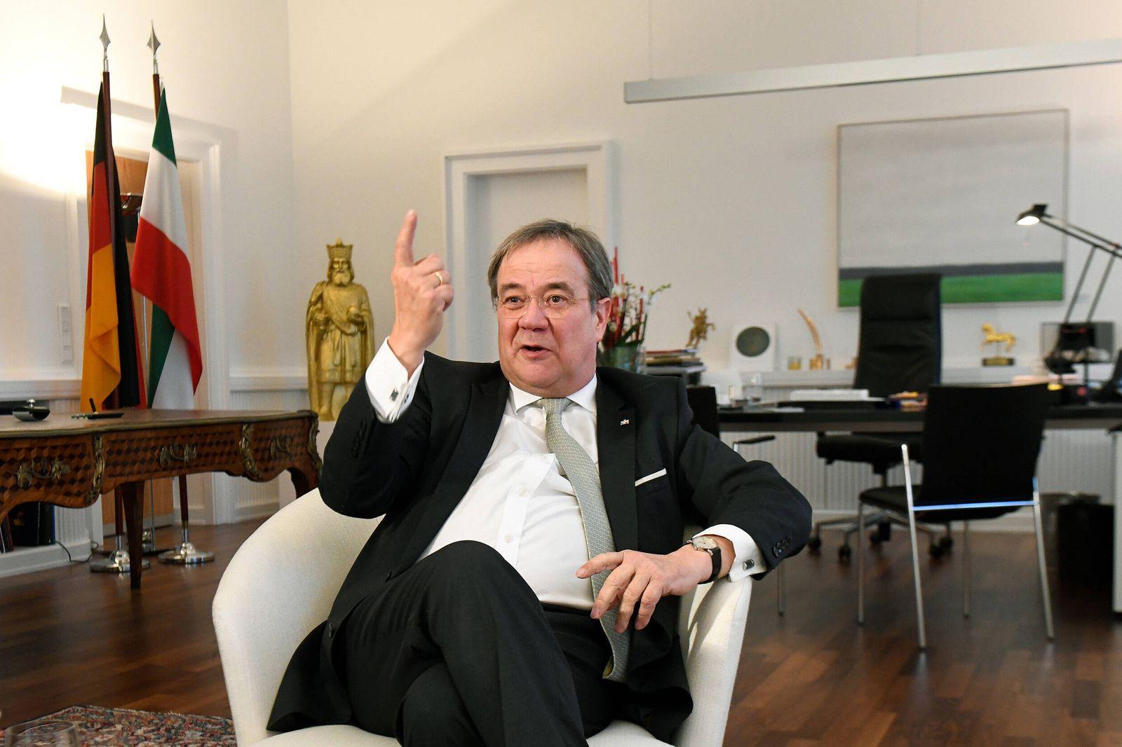 Deutschland, D¸sseldorf, 13.01.2020 NRW-Ministerpr?sident Laschet in der Staatskanzlei Foto: Armin Laschet (CDU), in sei