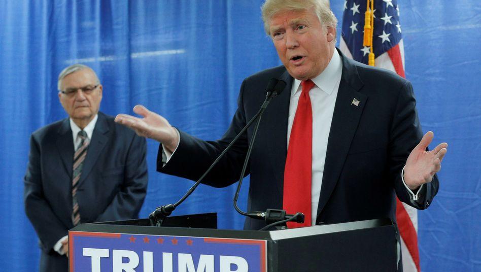 Donald Trump und Joe Arpaio (Archivbild von 2016)