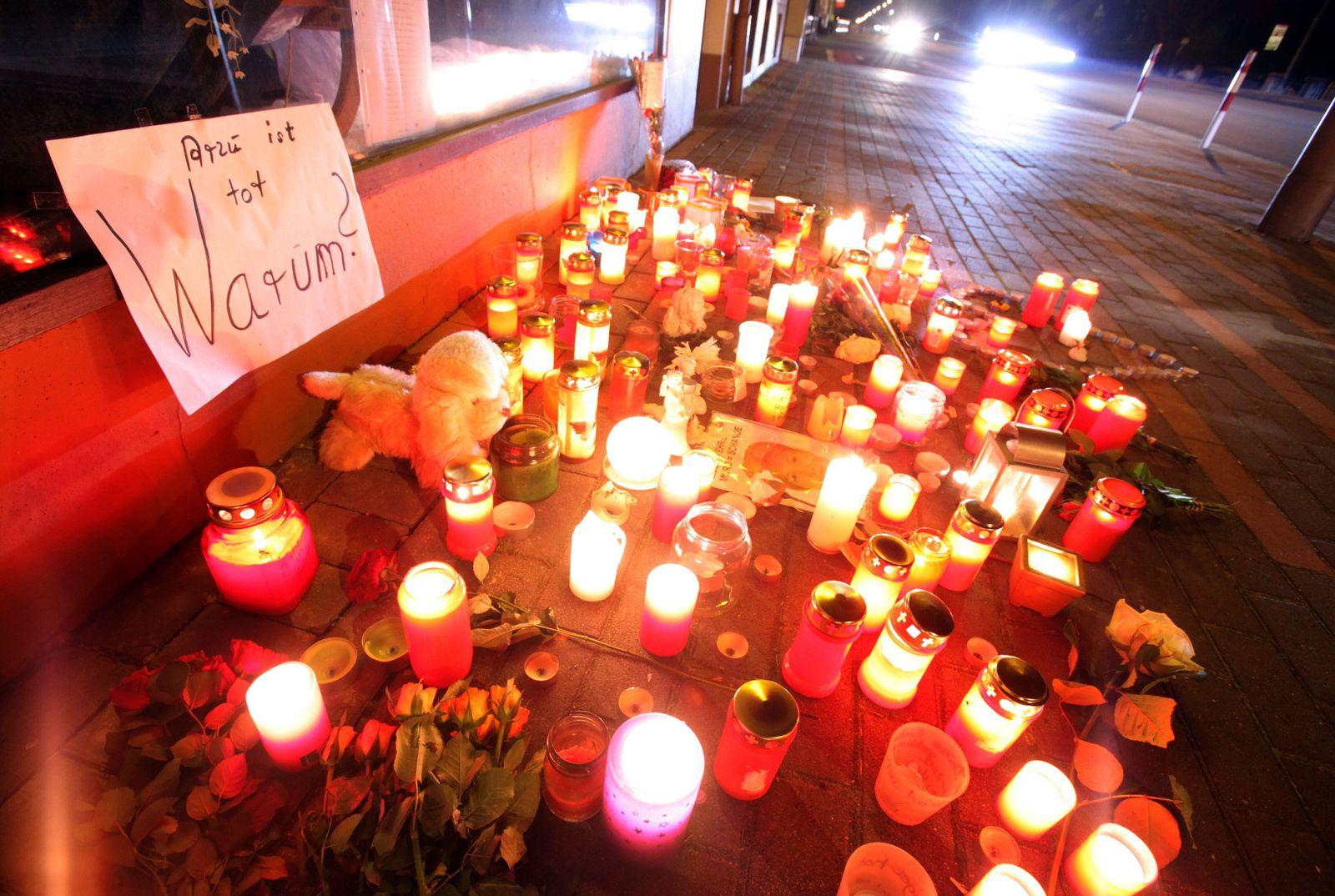 Detmold/ Kerzen für Arzu Özmen