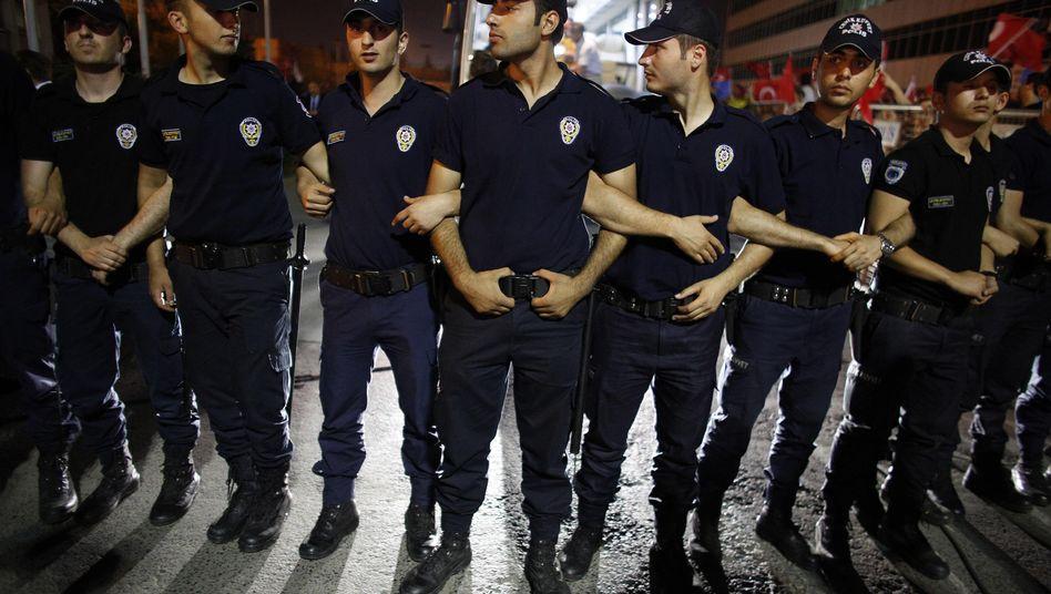 Türkische Polizisten in Istanbul: Gewerkschaft beanstandet Einsatzbedingungen