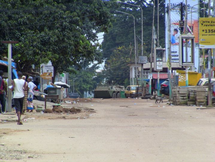 Militärfahrzeug in der Hauptstadt Conakry: Feuergefechte in der Nähe des Präsidentenpalastes