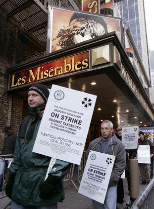 Streikende Bühnenarbeiter am Broadway: Schadenersatzklage in Millionenhöhe