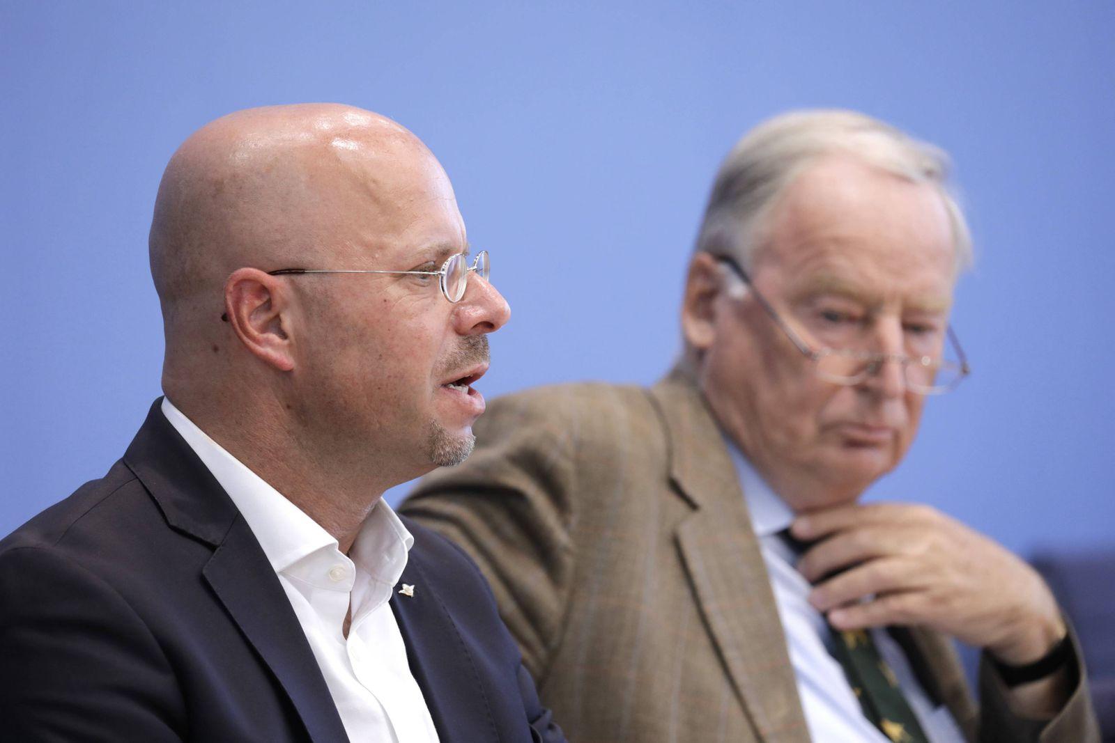 Andreas Kalbitz, AfD, Spitzenkandidat der AfD in Brandenburg, Alexander Gauland, Bundesvorsitzender der AfD, PK zu Ausw
