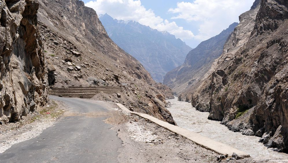 Photo Gallery: A Chinese Highway for Pakistan