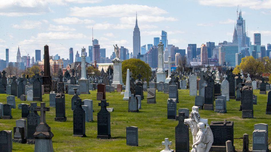 Calvary-Friedhof in New York: Rund die Hälfte der US-Toten allein in diesem Bundesstaat